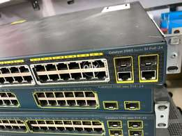 Cisco 2960 24 port Poe 2 combo gigabit