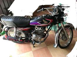 Honda 125 black colour