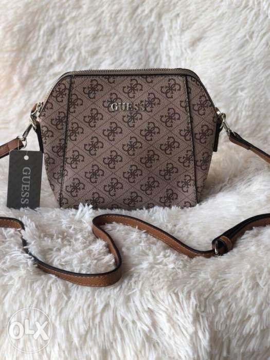 Guess sling bag in Las Piñas 6db840b643579