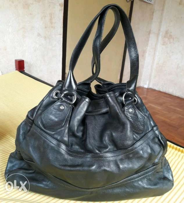 d218f7d93c7a ... Cavalcanti Made In Italy Genuine Leather Drawstring Bucket Bag ...
