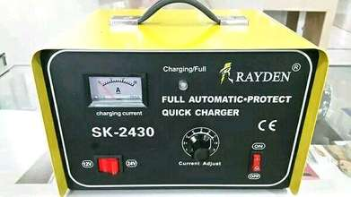 Charger Aki Travo 30 A Full Automatic