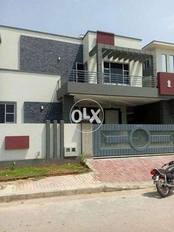 E-11 houses available for offices, schools, hostel commercial use