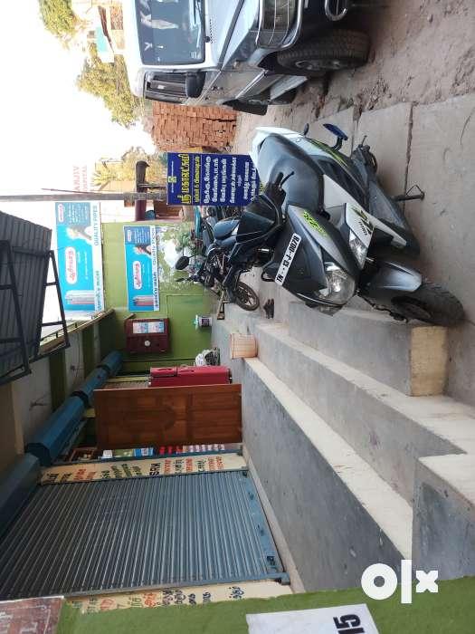 East faced shop for rent . At busy main road near Sathyamoorthy Nagar, Chennai