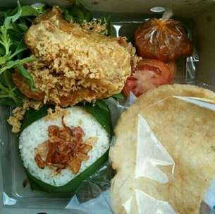 Nasi box menu mantul