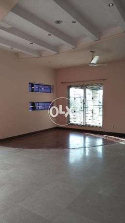 Valencia A block upper portion ideal for job person for RENT