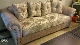 Six seater sofa set without table