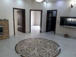 10 marla slightly used house in takbeer Block in bahriatown lahore