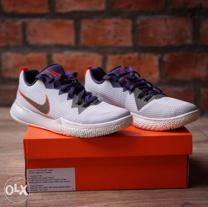 522dcd29ca9d ... Legit Brand new Nike Zoom Live II size 8 US Men basketball sneakers ...