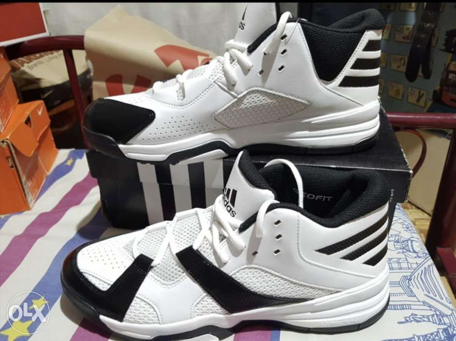 new styles c8e51 5f4b3 Adidas New Balance Basketball Running Shoes not Nike jordan vans ...