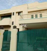 full Col.  4Bedrooms house available for rent in Askari 14