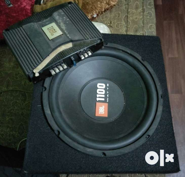 JBL 1100 watt subwoofer + JBL GT-X646 4 channel power