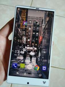 Sharp Aquos Disney SH-02G