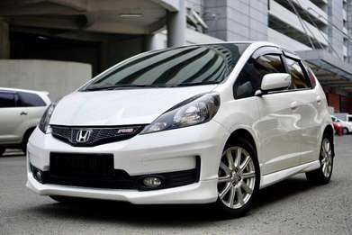 [autowhiz][Low KM] Honda Jazz 1.5 RS AT 2013 Putih