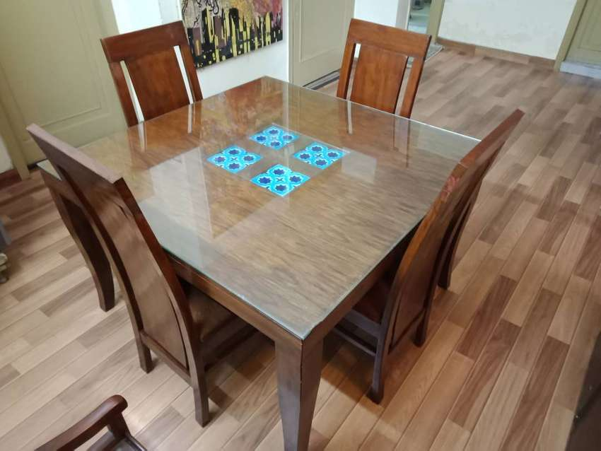 Elegant And Solid Wood 4 Chair Dining Table