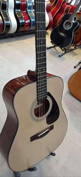 Acoustic Guitar Yamaha Musical Instruments For Sale In Pakistan Olx Com Pk