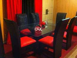 Dining table with 6 chairs For Sell