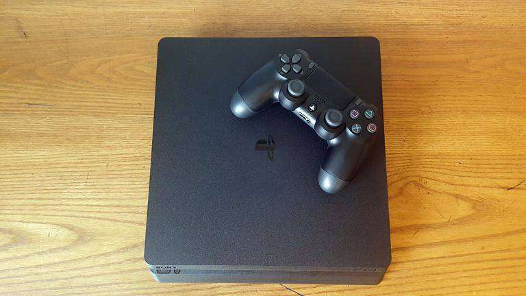PS4 Slim - 1TB - 2 months used