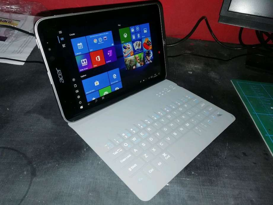 Tablet Windows 10 Acer Iconia W4-820