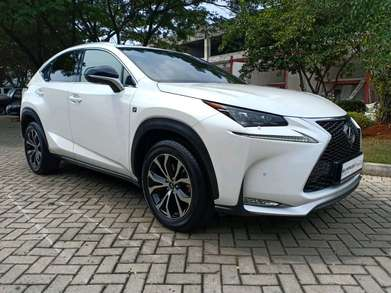 Lexus NX200T F-Sport 2016. White. Kredit Dp 20%. General Check Up Ok