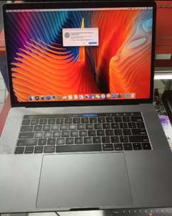 Macbook Pro CORE I7 ram16gb ssd 1tb 15inch touchscreen