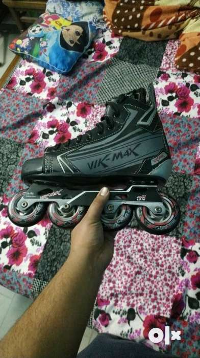 Professional inline hockey,roller skates imported from