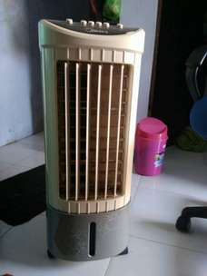 air cooler Midea (kipas angin berpendingin)