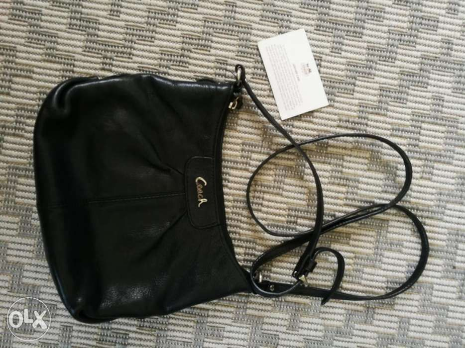 Preloved Authentic Coach Sling Bag Mini Bag Casual Design Black in ... 67229a3aa529a