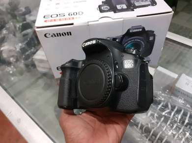canon 60D body only mulus normal mantap box ( 1123)
