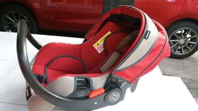 Carseat Babydoes red