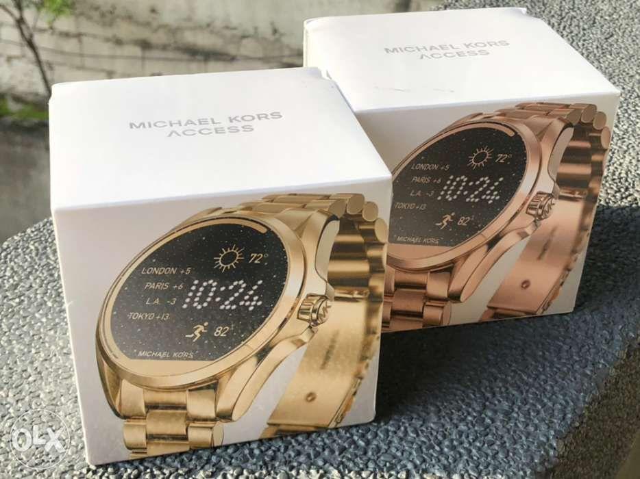 dcff518ea2cb Michael Kors BNIB Smartwatch  Michael Kors BNIB Smartwatch ...