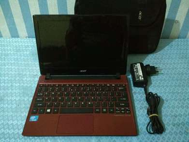 "ACER ASPIRE ONE 756 11""6inc Mulusss,Normal & Siap Pakai."
