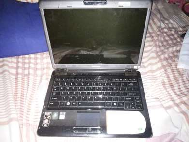 Jual Laptop Toshiba Satellite U405D MATOT