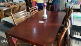Dining Table Plus 5 Pcs Chairs