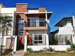 Brand New Modern Design Duplex House And Lot In Bf Resort Village