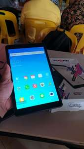 Tab advan i10 4g. ram 2/16gb like new fullset 3 hri pkai