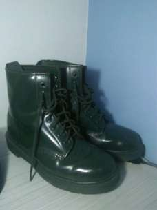 Dr.Martens UK7 army green