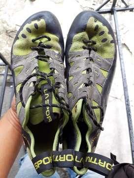 Sepatu Jual Hiking Panjat Tebing Terlengkap Di Yogyakarta Kota Olx Co Id