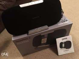 IPHONE Charging Dock and Song Play Gear 4 House Party 6 speaker