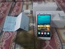 Huawei p8 lite with box and charger warrenty end condition out class
