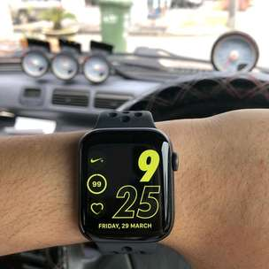 Apple Watch Series 4 Nike 44mm Bisa Kredit
