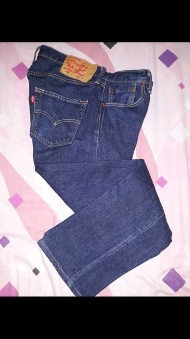 Celana branded LEVI'S 501-Original,size 30.Made in Mexico