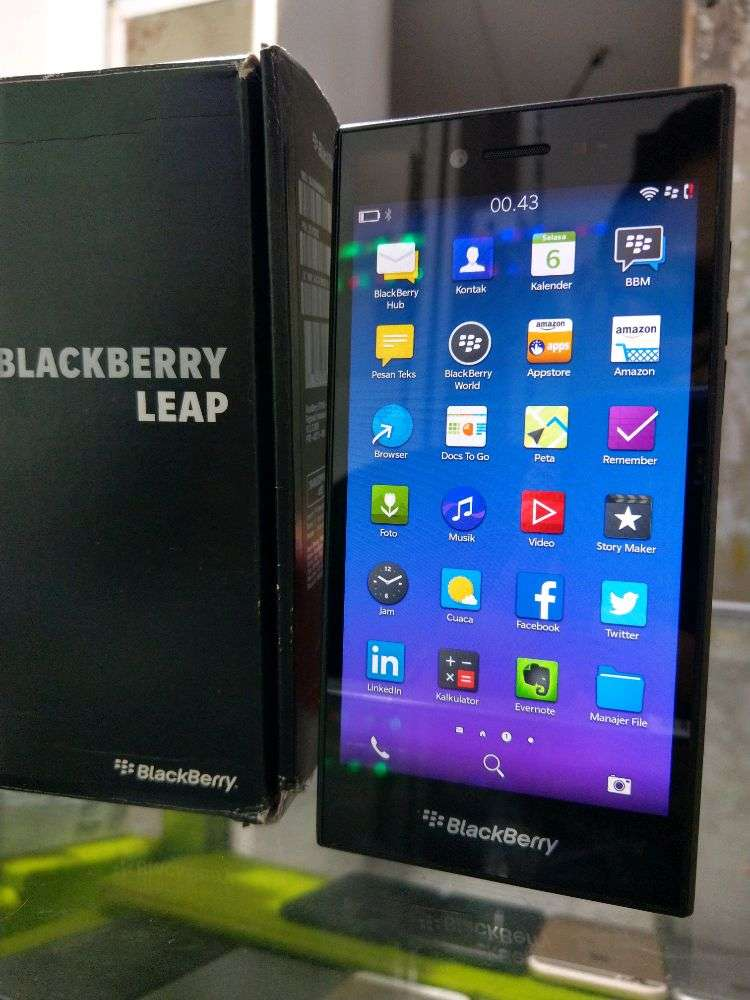 Blackberry Leap Android