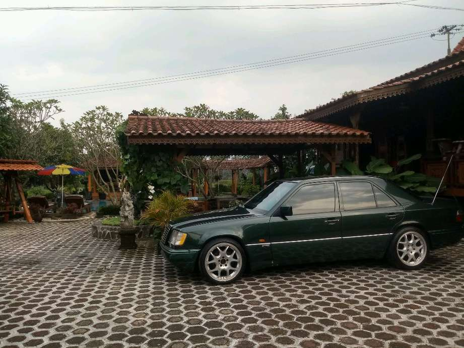 Mercedes-Benz E230 full upgrade Masterpiece superb condition. Sukabumi  82 Juta