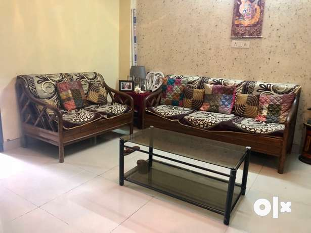 All wooden Sofa set 3 plus 2 with free cushions Delhi  : images644x461inslot1filenamedhpetnx5ddpn3 IN from www.olx.in size 615 x 461 jpeg 29kB