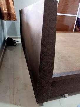 Used Beds & Wardrobes for sale in Vadodara   OLX