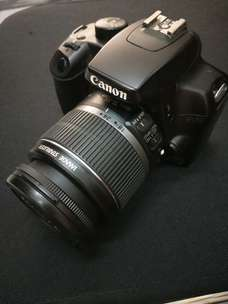 Canon eos 1000D kit IS