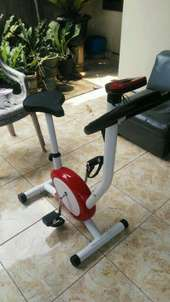 no ongkir..red colour sepeda fitness 8215