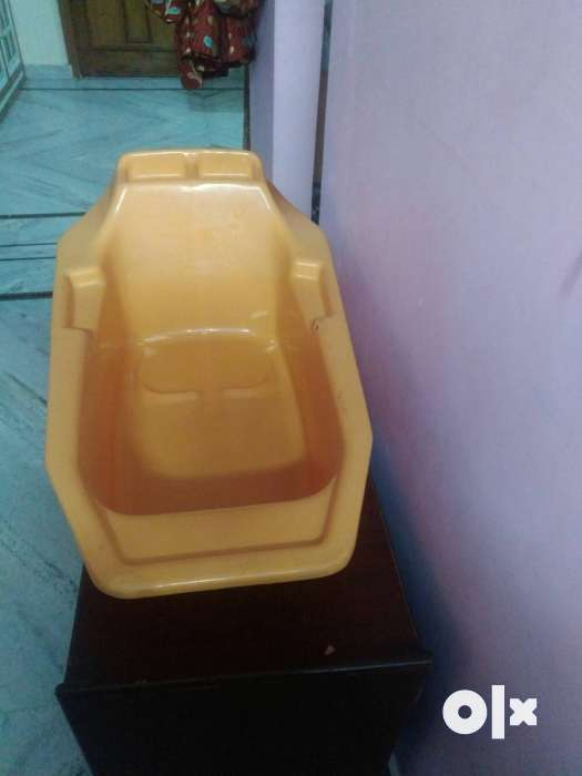 Baby bath tub orange color only 650 - Hisar - Furniture - Sector 16&17