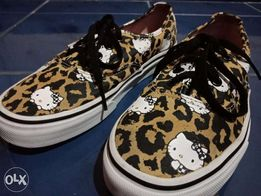 3e984a5c034dd7 Hello kitty vans authentic - View all ads available in the ...