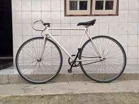 Balap Jual Sepeda & Aksesoris Terlengkap di Jawa Tengah